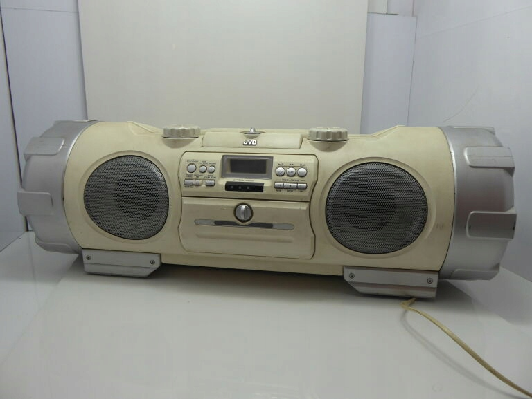 JVC RV-NB10W BOOMBOX