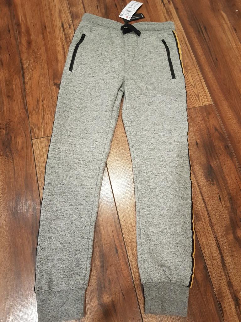 Sliczne spodnie chlopiece r.152