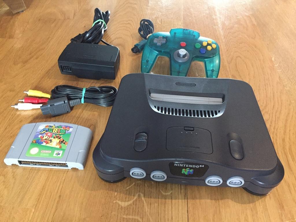 Nintendo 64 zestaw z Mario 64 i limitowanym padem