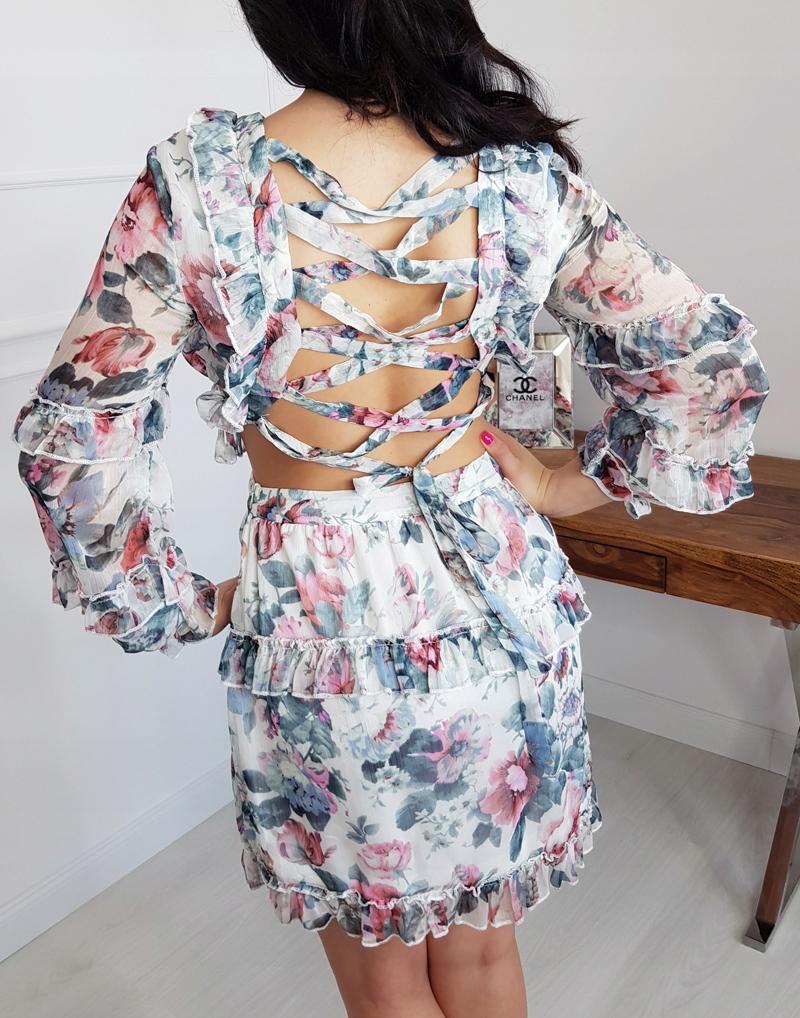 Sukienka w kwiaty wiązana na plecach Parisian