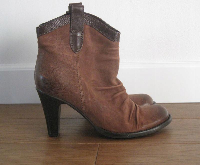 Bata Damskie botki buty rozmiar 41