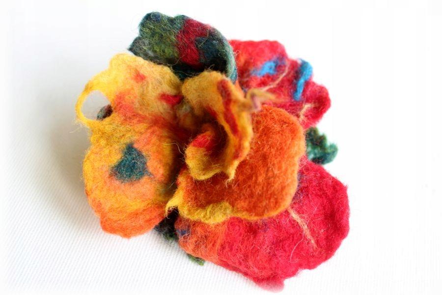 BROSZKA z filcu filcowa kwiat żółty czerwony