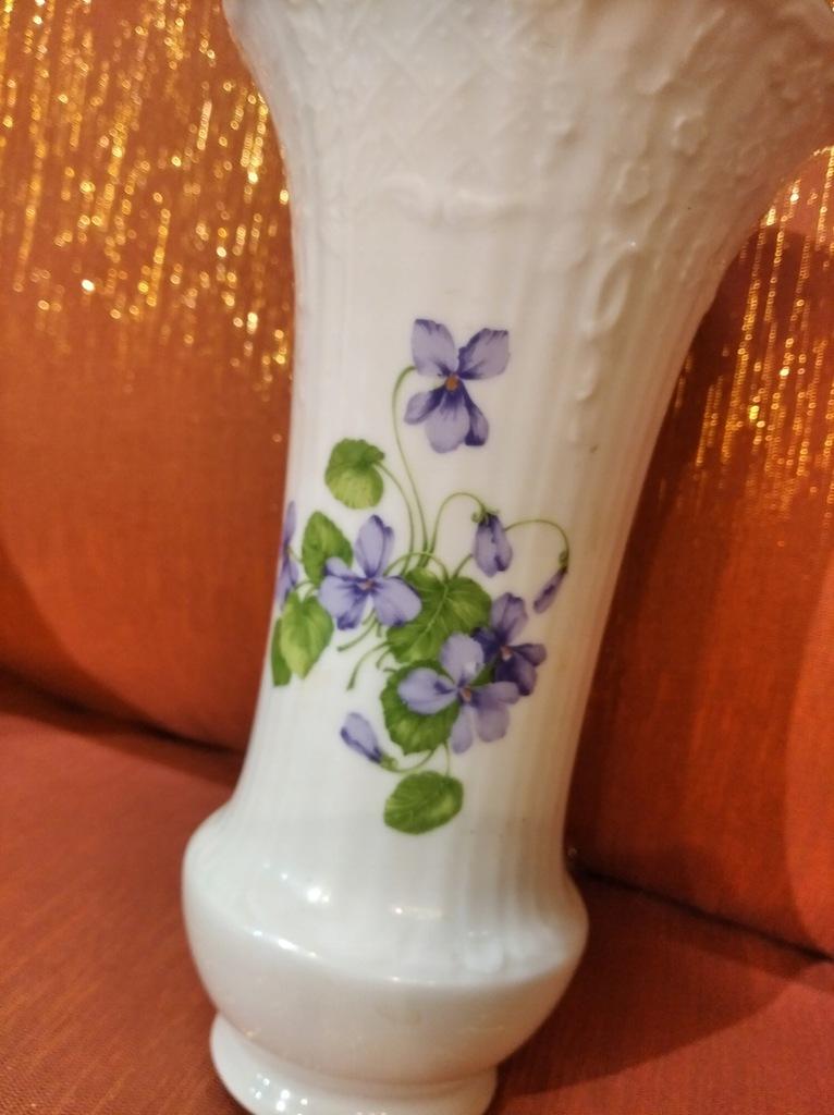 Wazonik porcelanowy Kaiser Viola