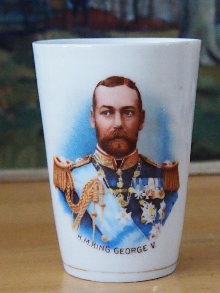Król Jerzy V - kubek okolicznościowy