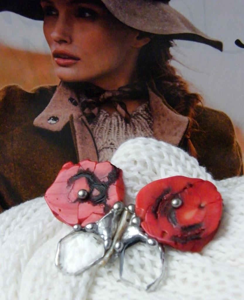 Handmade Broszka i wisior motyl: koral kryształ