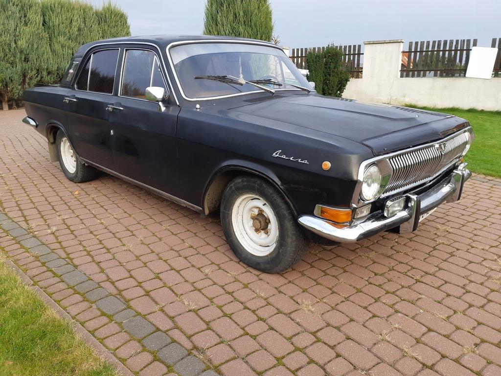 Czarna Wołga GAZ 24. Rok produkcji 1978