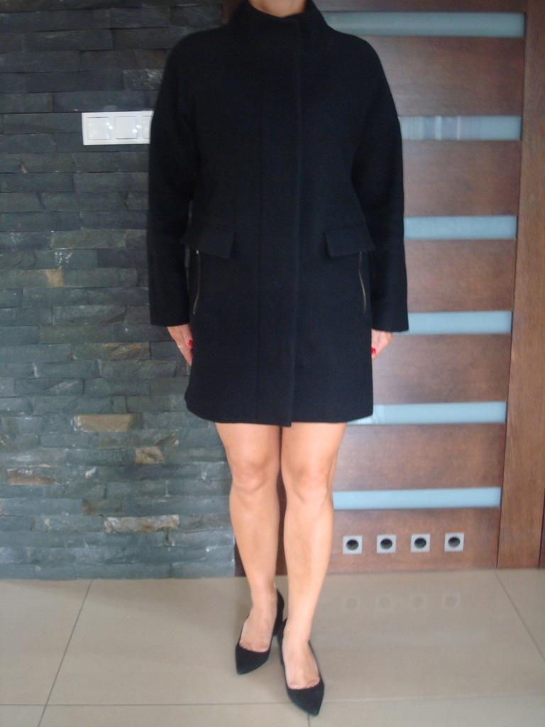 Jak nowy wełniany płaszcz MANGO roz. M