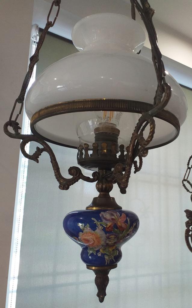 Śliczna stara nieduża lampa wisząca