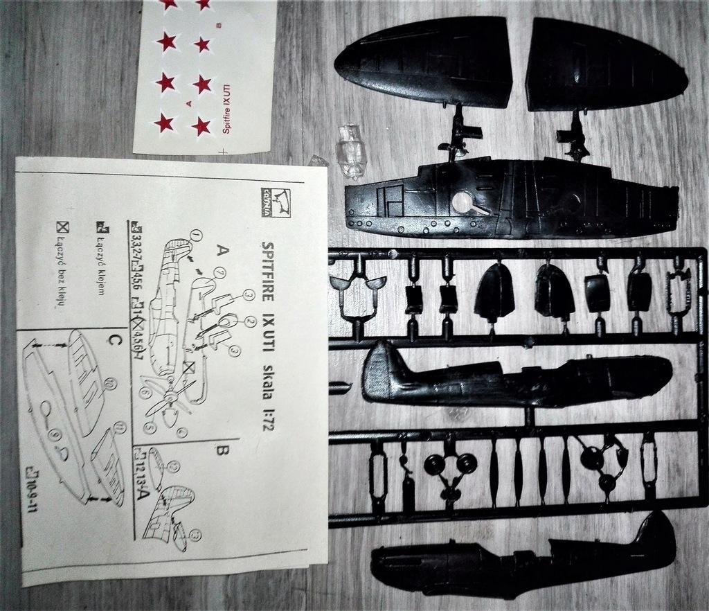 model samolotu SPITFIRE IX UTI 1/72