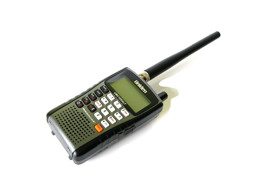 UNIDEN UBC125XLT + dyskretna antena szerokopasmowa