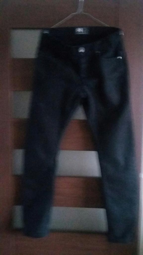 SPODNIE CROPP 30 czarne