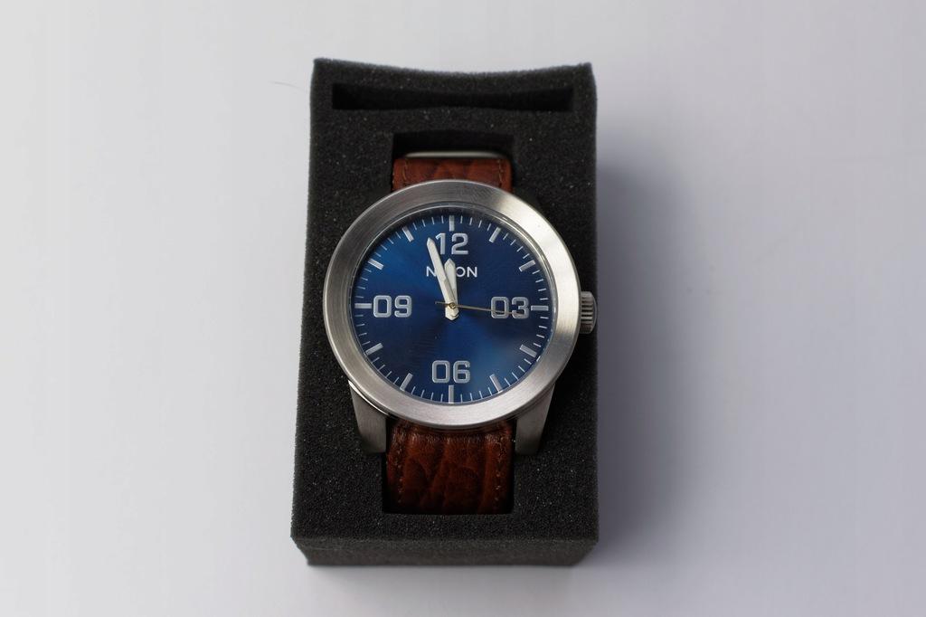 WZC91 - NIXON BROWN/BLUE SUNRAY - Zegarek męski