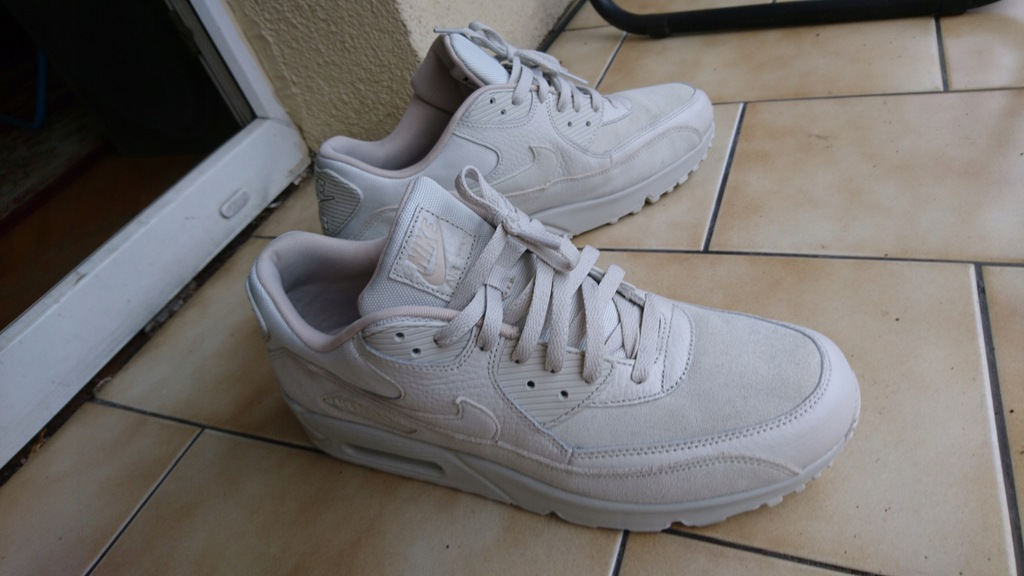 Buty NIKE Air Max 90 Premium 700155 013 Light BoneString