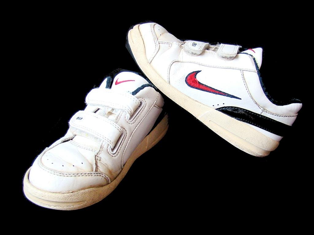 NIKE swietne markowe buty rozm 30 wkl 18,5 cm
