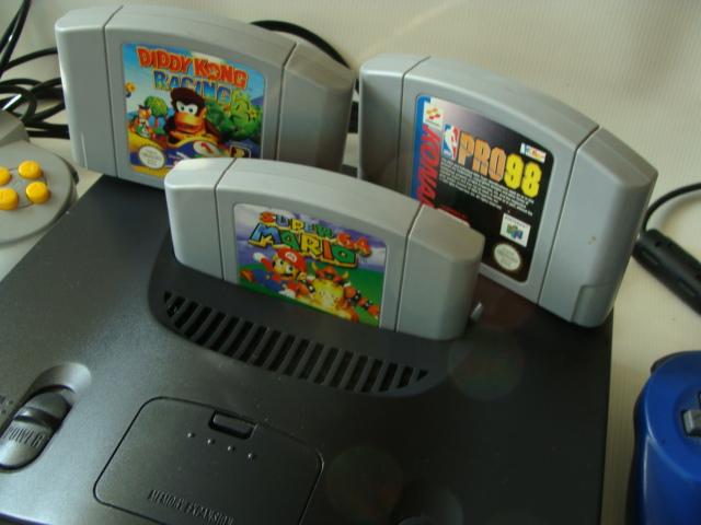 Nintendo 64 ładny komplet z grami i kartą pamięci