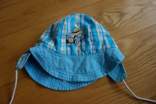 Śliczna czapeczka ok 3-6 mies