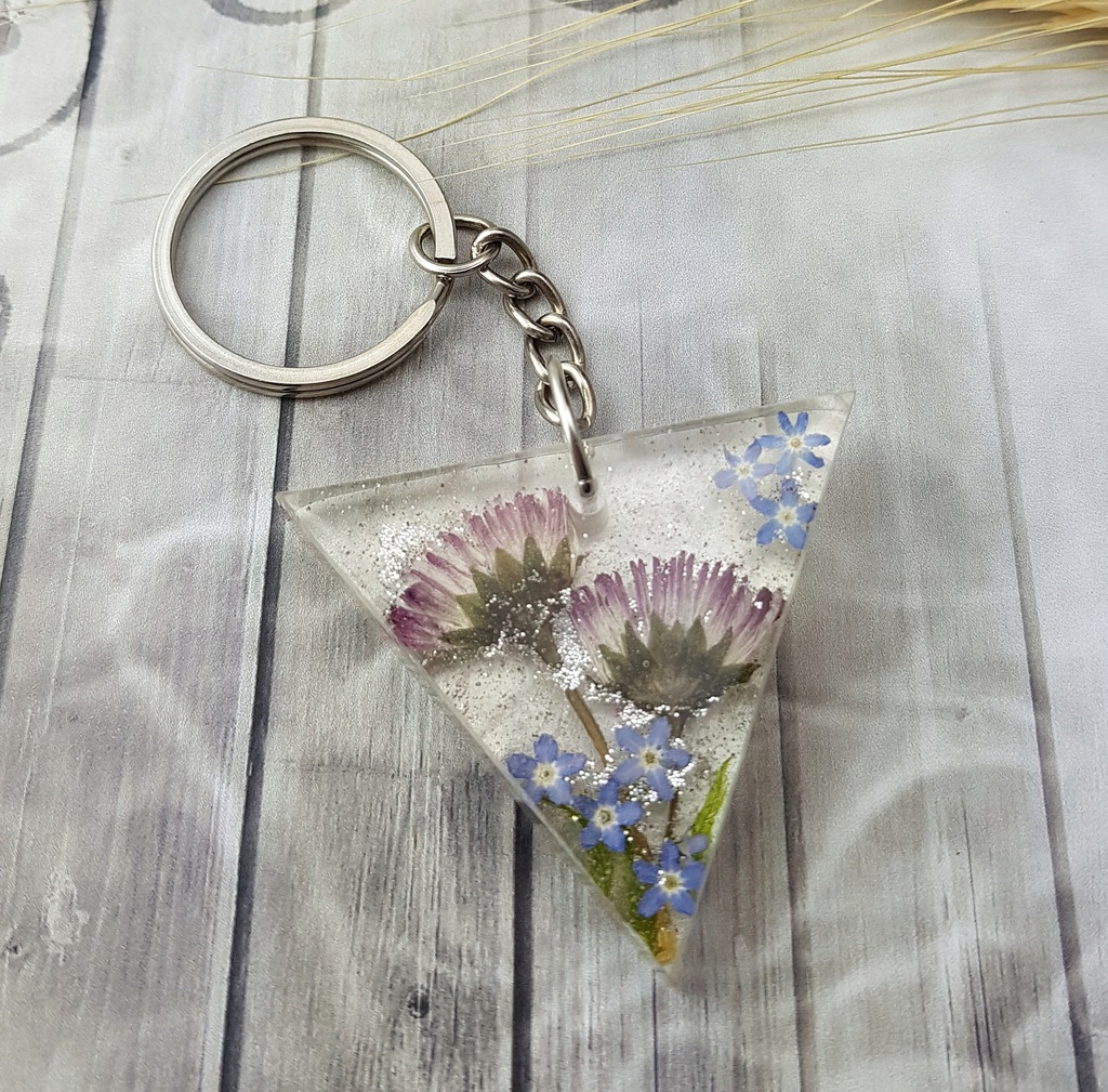 1037/mela- brelok do kluczy z żywicy kwiaty