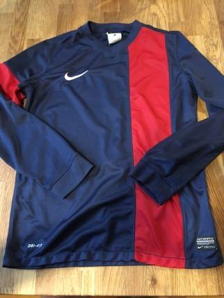 Nike koszulka sportowa funkcyjna dryfit 146-152