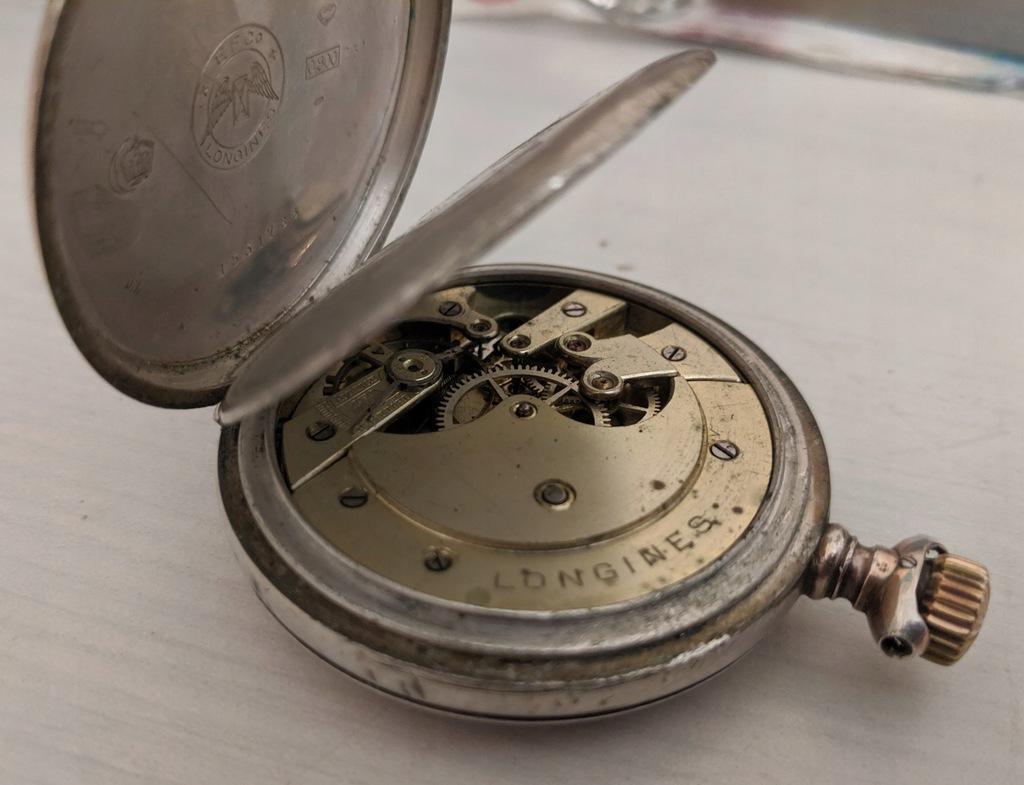 Zabytkowy szwajcarski zegarek kieszonkowy. Longines 1900