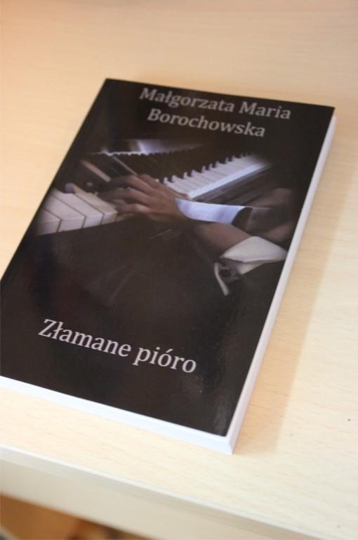 """Książka """"Złamane pióro"""" z autografem WOŚP 2015"""