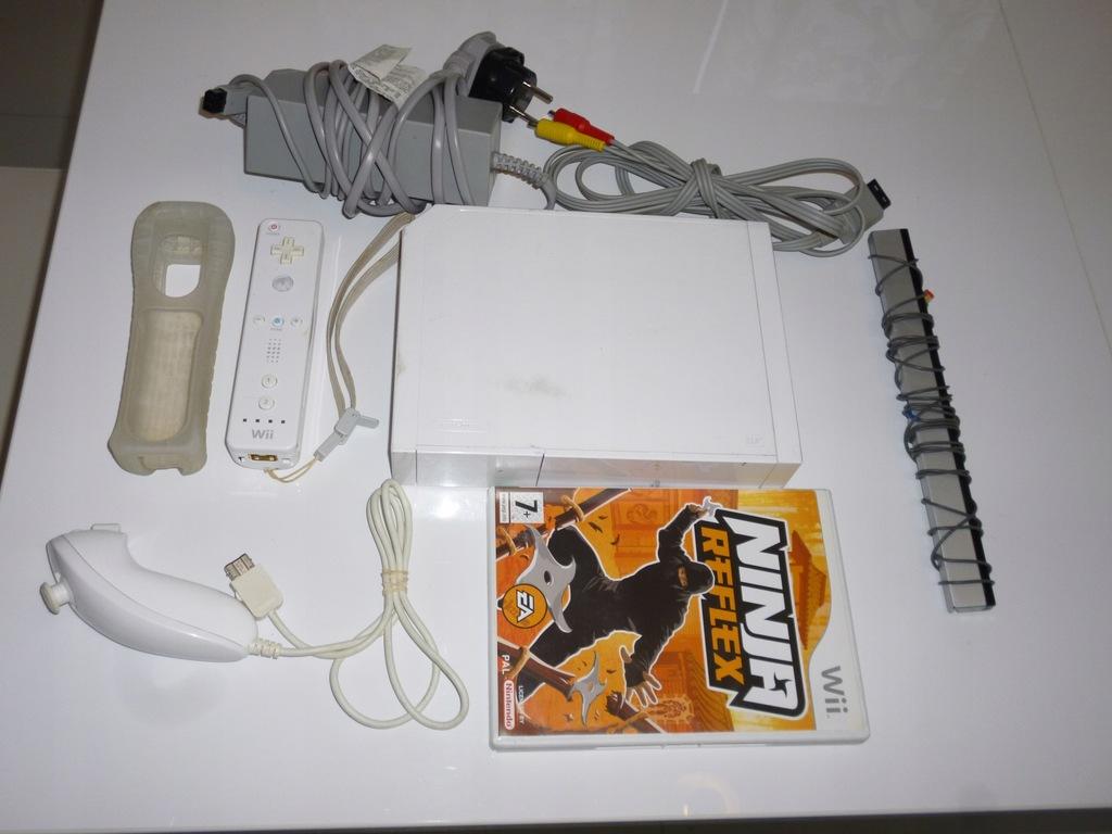 Nintendo Wii biała konsola pady gra kable tanio