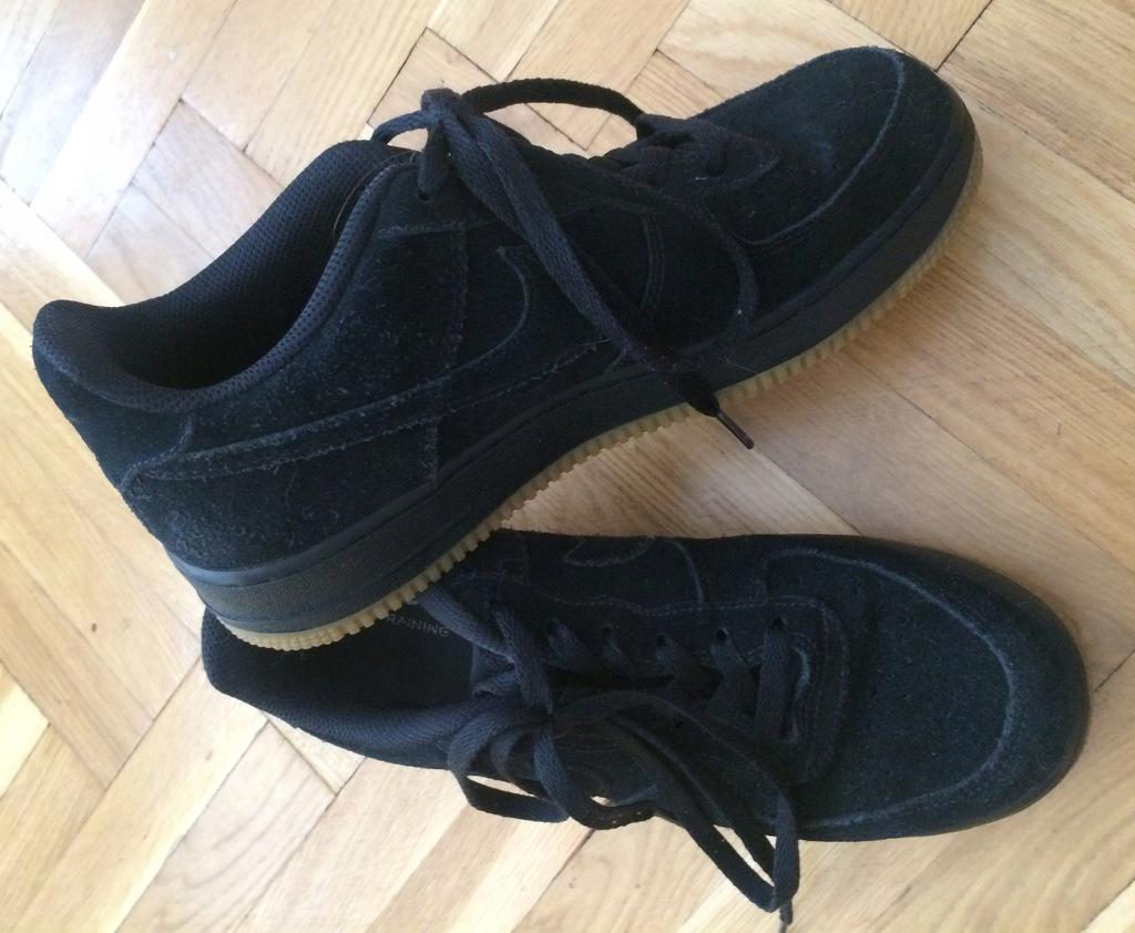 Nike Air Force 1 czarne zamsz r. 40
