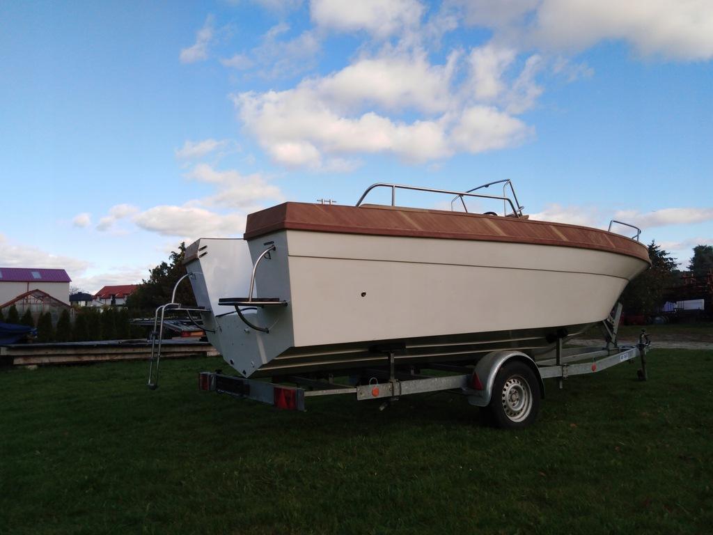 Łódka PM 580 Fisher wraz z przyczepą