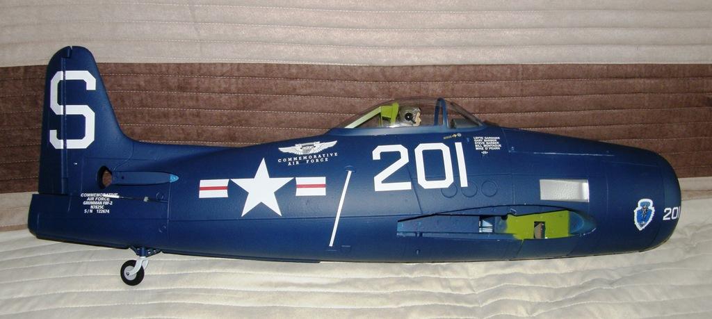 FlightLine F8F-1 Bearcat 1200mm