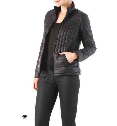 czarna damska kurtka pikowana promod