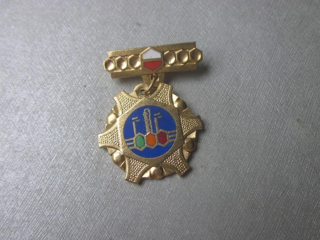 Odznaka Za Zasługi Dla Przemysłu Chemicznego 2