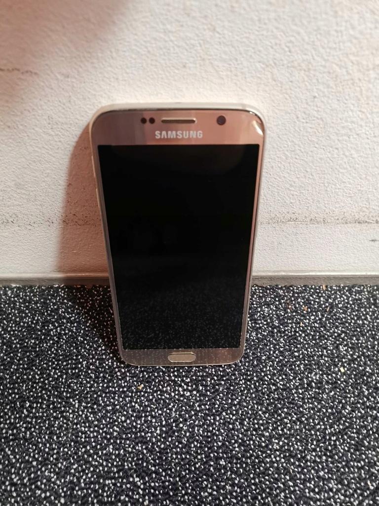Samsung S6 Złoty, ekran nie świeci, reszta OK