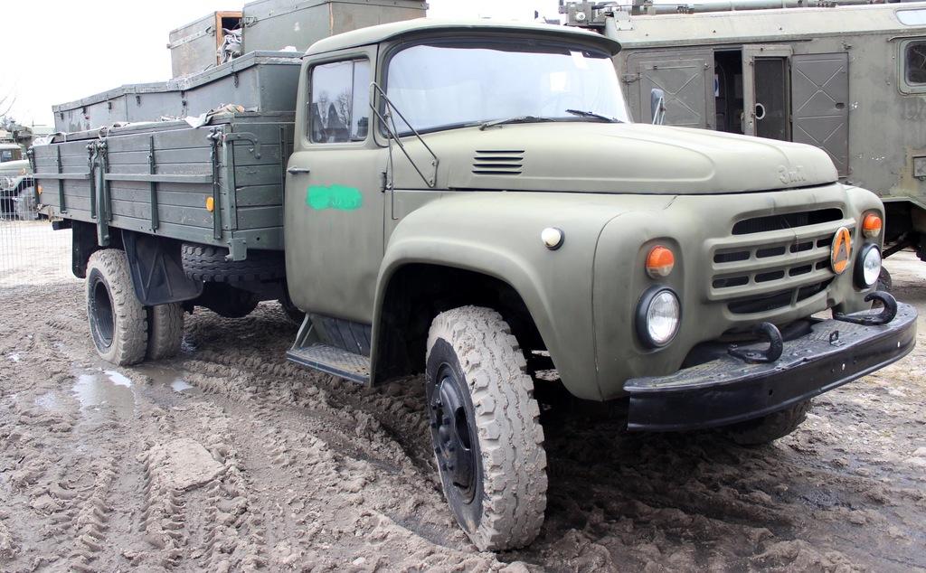 ZIŁ-130 Radziecka ciężarówka PROSTO Z WOJSKA