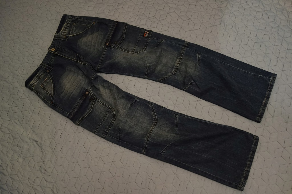 DIESEL Relaxed Fit 256 jeansy dżinsy 32 /32 Nowe