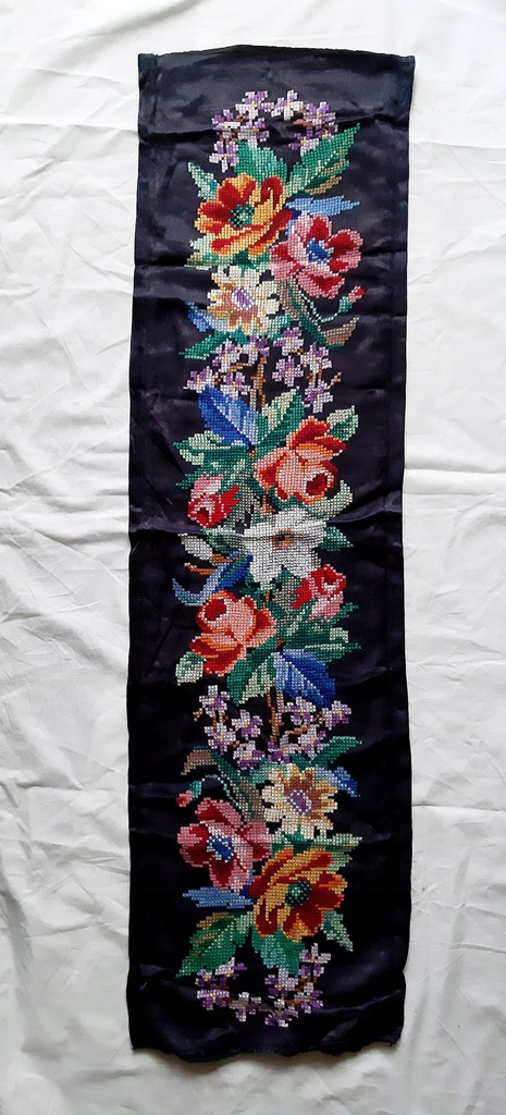 haft krzyżykowy kwiaty kilim gobelin szarfa