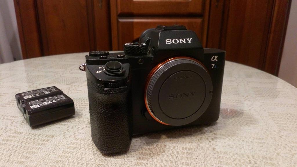 Sony A7S II Body + dwa oryginalne akumulatory