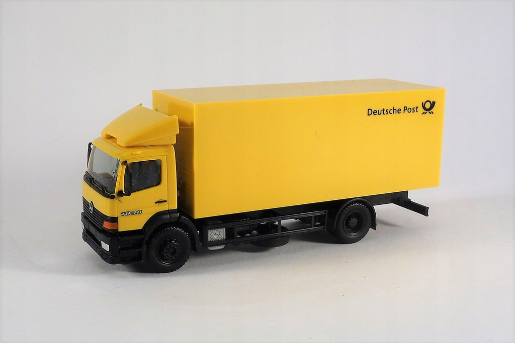 HERPA - MERCEDES ATEGO - DEUTSCHE POST 1:87