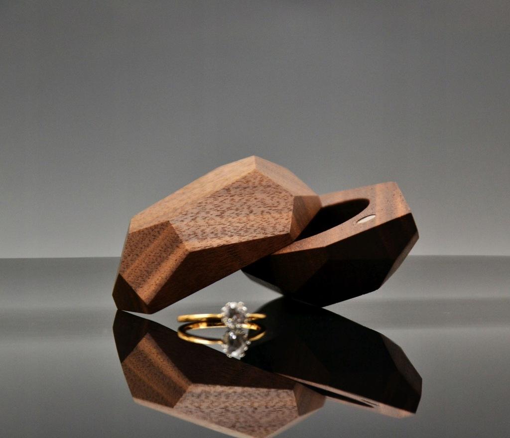 Pudełko na pierścionek zaręczyny drewno pudełeczko