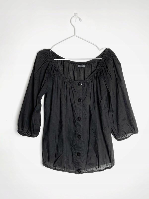 czarna bluzka mgiełka z guzikami Only Limitless