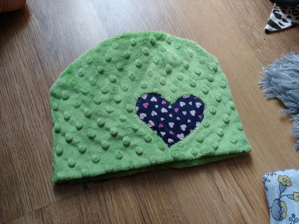 Minki zielona czapka serce roz.48-52cm 3-4lat bdb