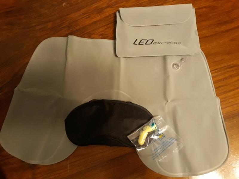 LEO Express - poduszka gogle i zatyczki