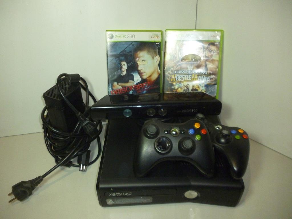 Xbox 360 S + kinect + 2 pady + gry
