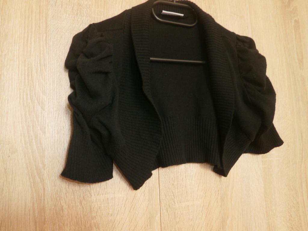 czarne krótkie bolerko New look