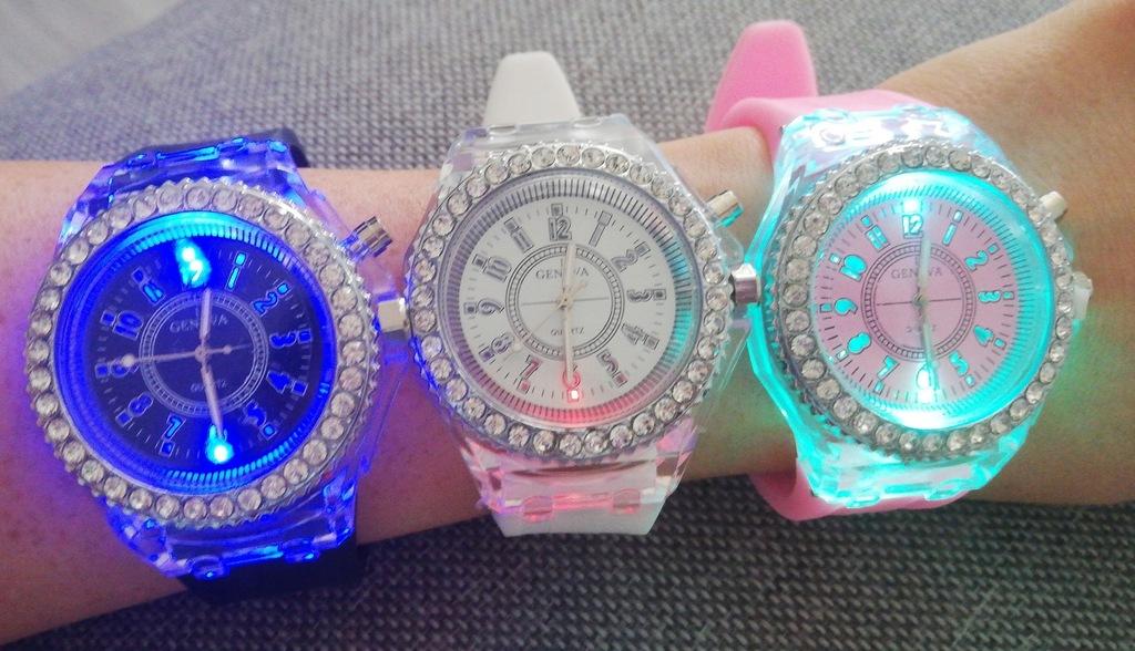 Led zegarek podświetlany geneva