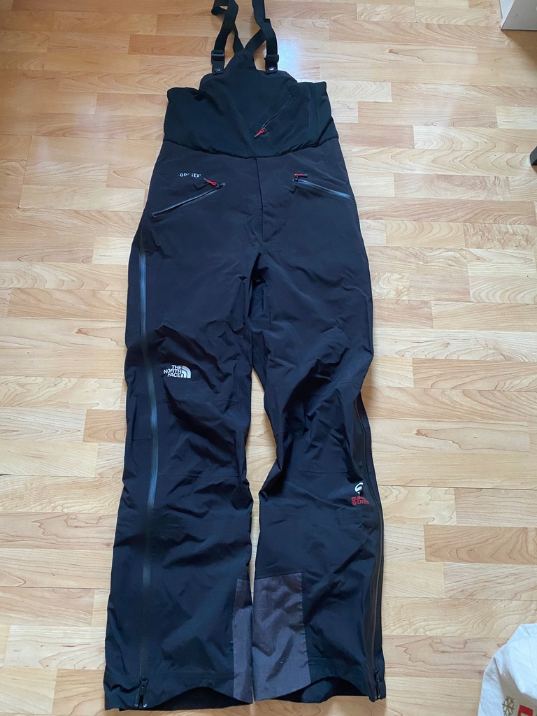 The north face point five gtx summit series 34 L