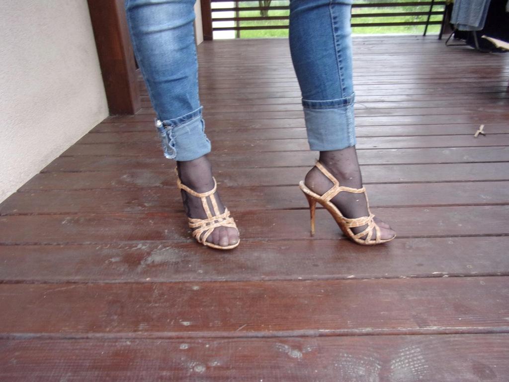 (874) Sandały brązowe 36 / 24 cm