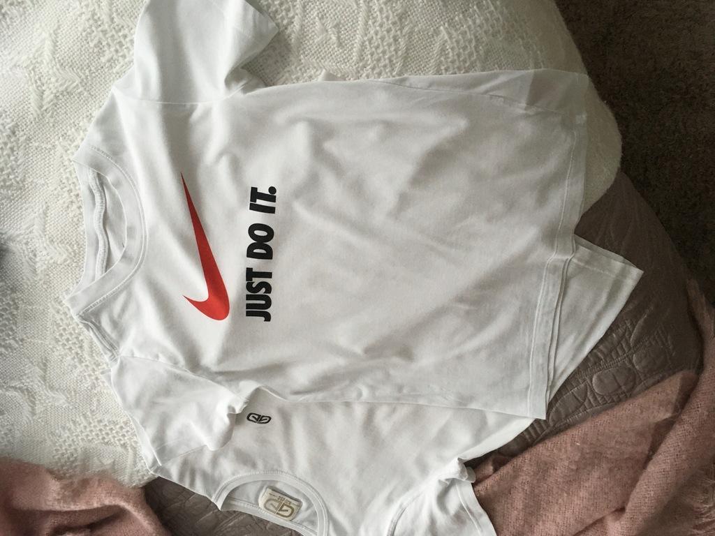 dwa t-shirty Nike roz. 140/150 cm