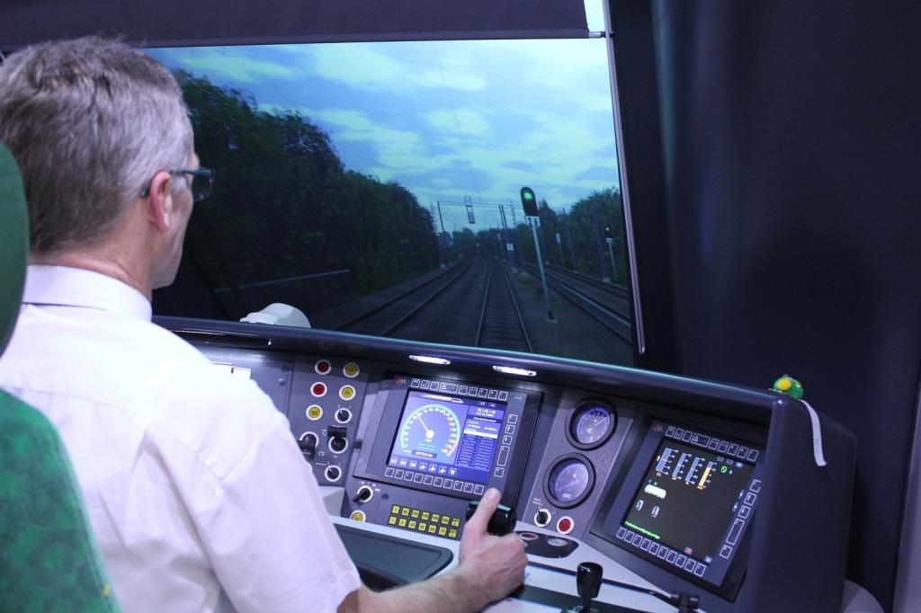 Szkolenie na symulatorze pojazdu kolejowegoEN76elf
