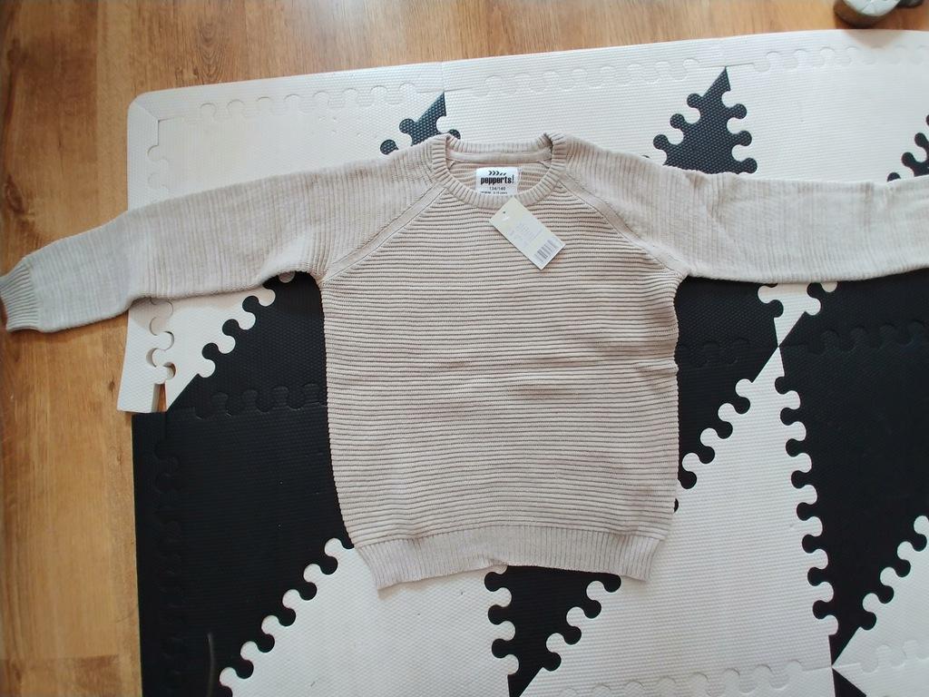 PEPPERTS sweterek beżowy melanż średni 134cm nowy