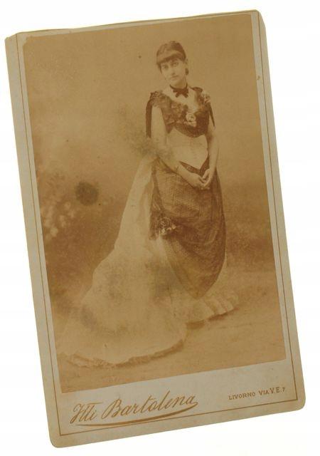 Portret kobiety, en pied Livorno ca 1900