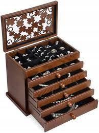 Eleganckie drewniane pudełko na biżuterię JBC56W